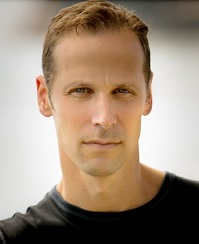 Author Gregg Hurwitz